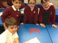 Exploring characters with diamantépoems